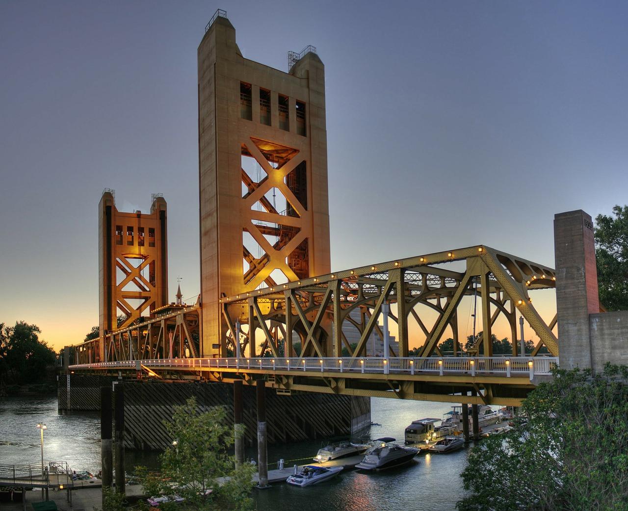bridge-67773_1280